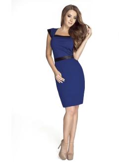 modelka w niebieskiej sykience
