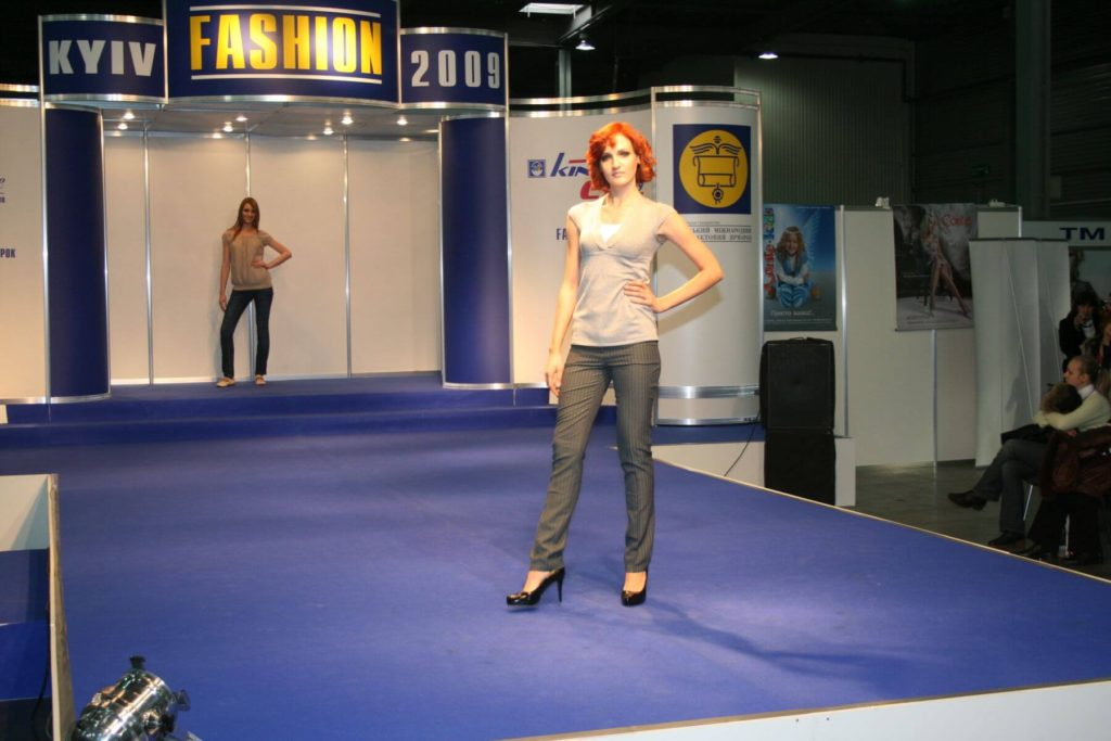 http://lookat.com.pl/wp-content/uploads/2016/04/Kiev-Fashion-2009-120-1024x683.jpg