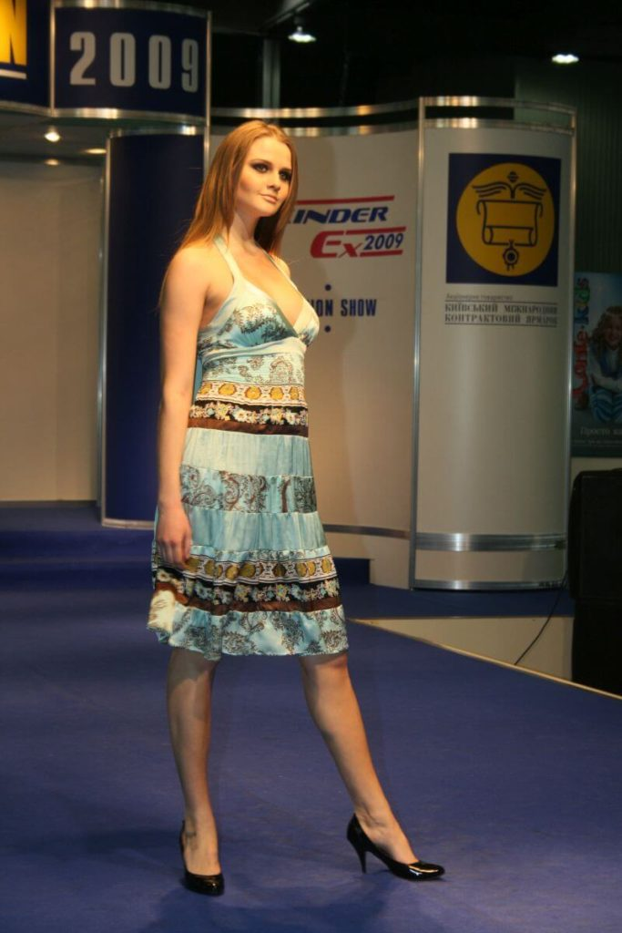 http://lookat.com.pl/wp-content/uploads/2016/04/Kiev-Fashion-2009-469-683x1024.jpg