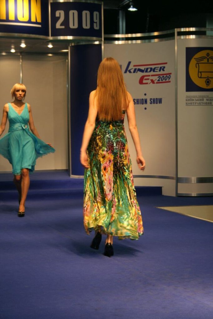 http://lookat.com.pl/wp-content/uploads/2016/04/Kiev-Fashion-2009-506-683x1024.jpg